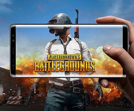 มือถือเล่นเกม PUBG Mobile